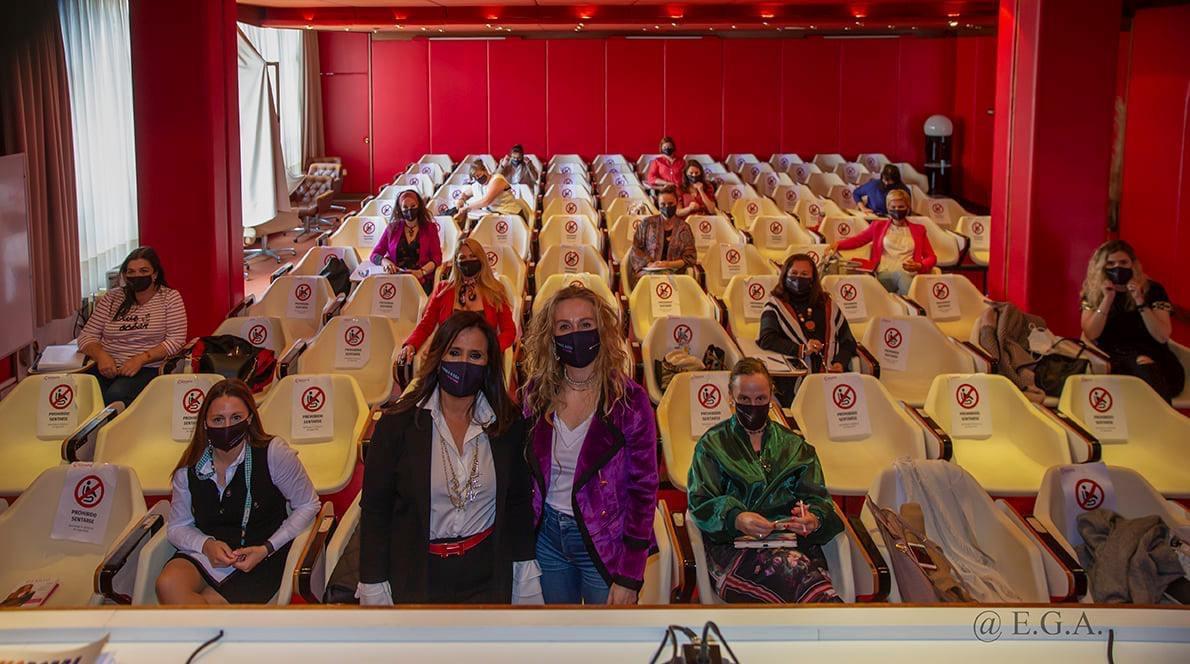 torrelavega en femenino. Cursos para mujeres profesionales impartidos por Yolanda Sáenz de Tejada